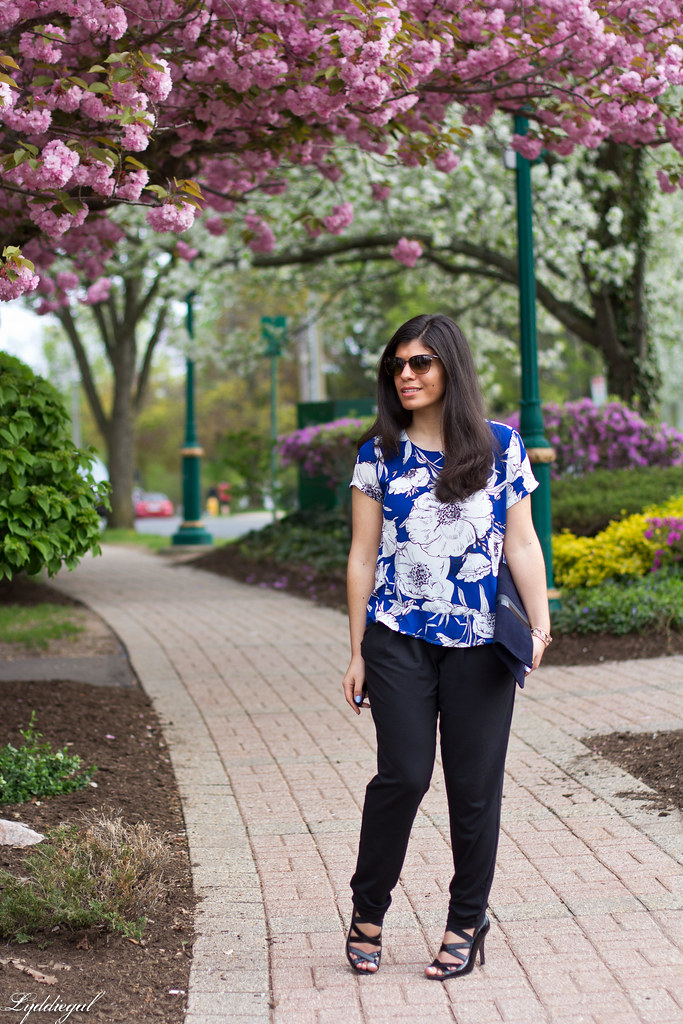 floral blouse, joggers, navy foldover clutch.jpg