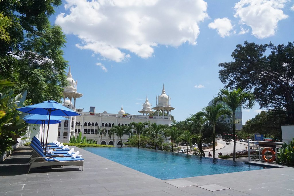 Staying at Majestic Hotel KL - the Governor Suite -001