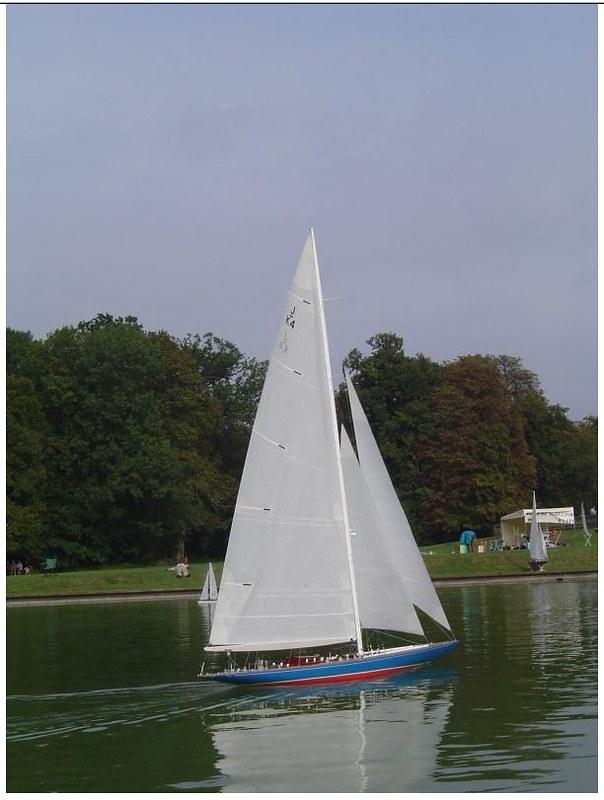 Endeavour sailboat model 17005757257_5028775dfa_c