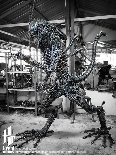 Dieselpunk recycled metal statues by Kreatworks - Alien