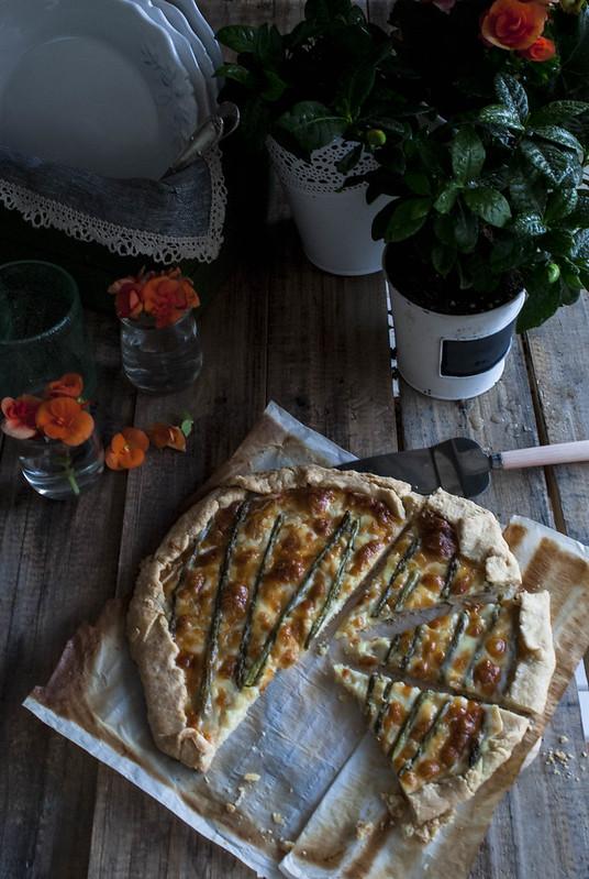 Galette de espárragos trigueros y queso