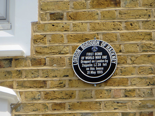 Plaque at 16 Alkham Road | by diamond geezer