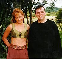 Рене О'Коннор и автор на съемках «Жертвоприношения»