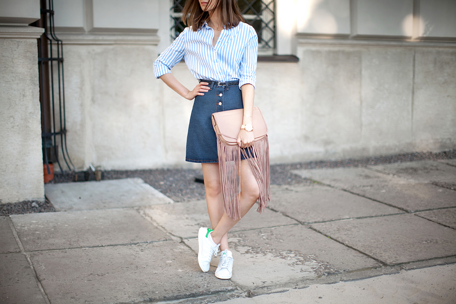 70's-denim-skirt-trend-bloggers-daily-outfits