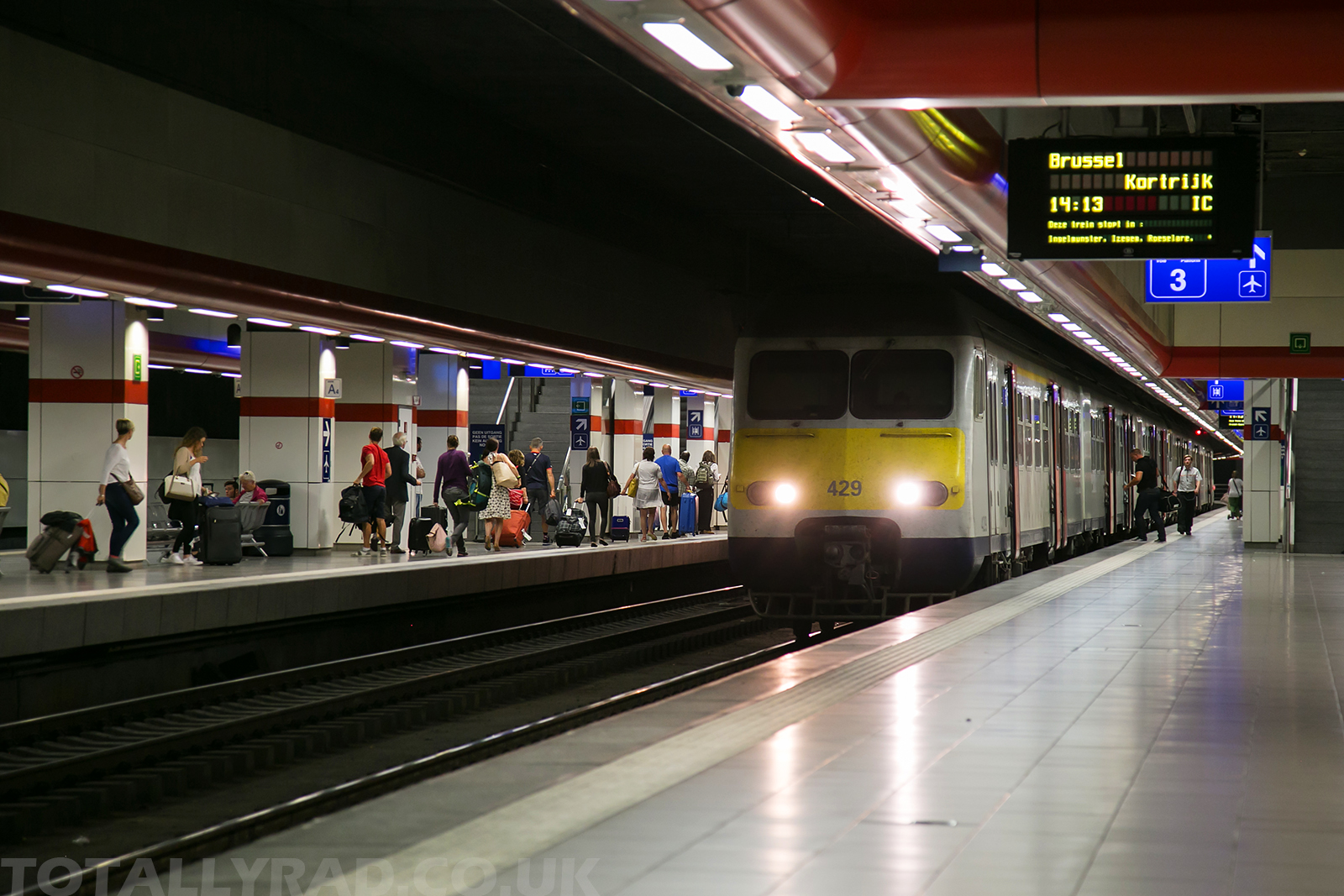 Brussels Airport Station, train arrival