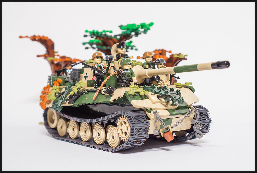 Hunting King Tiger (COBI WWII) – Original Colour | Please ...