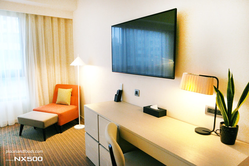 riverview hotel taipei family room working desk
