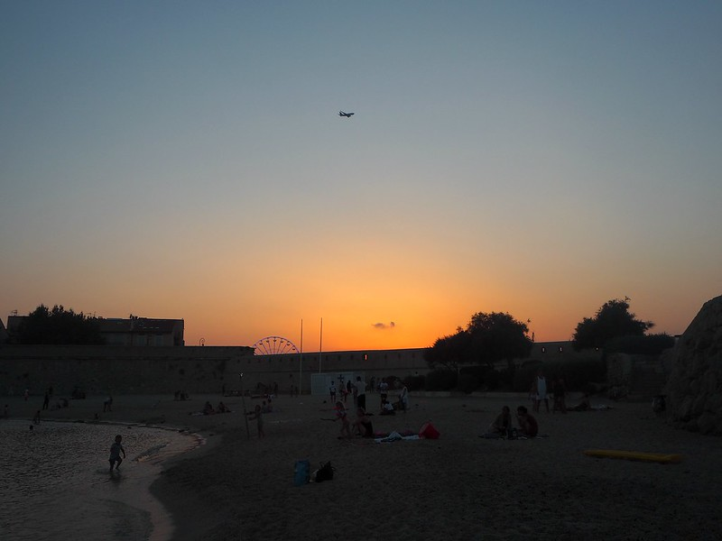 SunsetFranceFrenchRivieraP7303907, sunset, plage de gravette, uimaranta, antibes, beach, plage, france, french riviera, sunset, auringonlasku, ranskan riviera, travel, kokemukset, lentokone laskeutuu, nice airport,