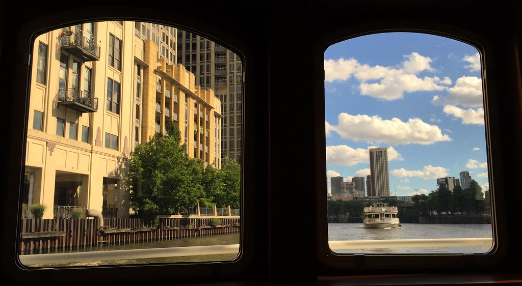 Chicago river architectural boat tour chicago il 2016091 for R architecture tours