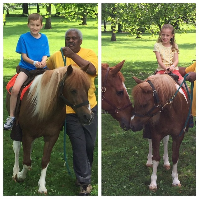 It was 💦💦⚡️☔️ like crazy this morning and I didn't think we'd be able to use the Suson Farm Day passes I bought. But, the ☀️ came out and we had a really fun day! For $10 the kids got to tour the barn, ride ponies