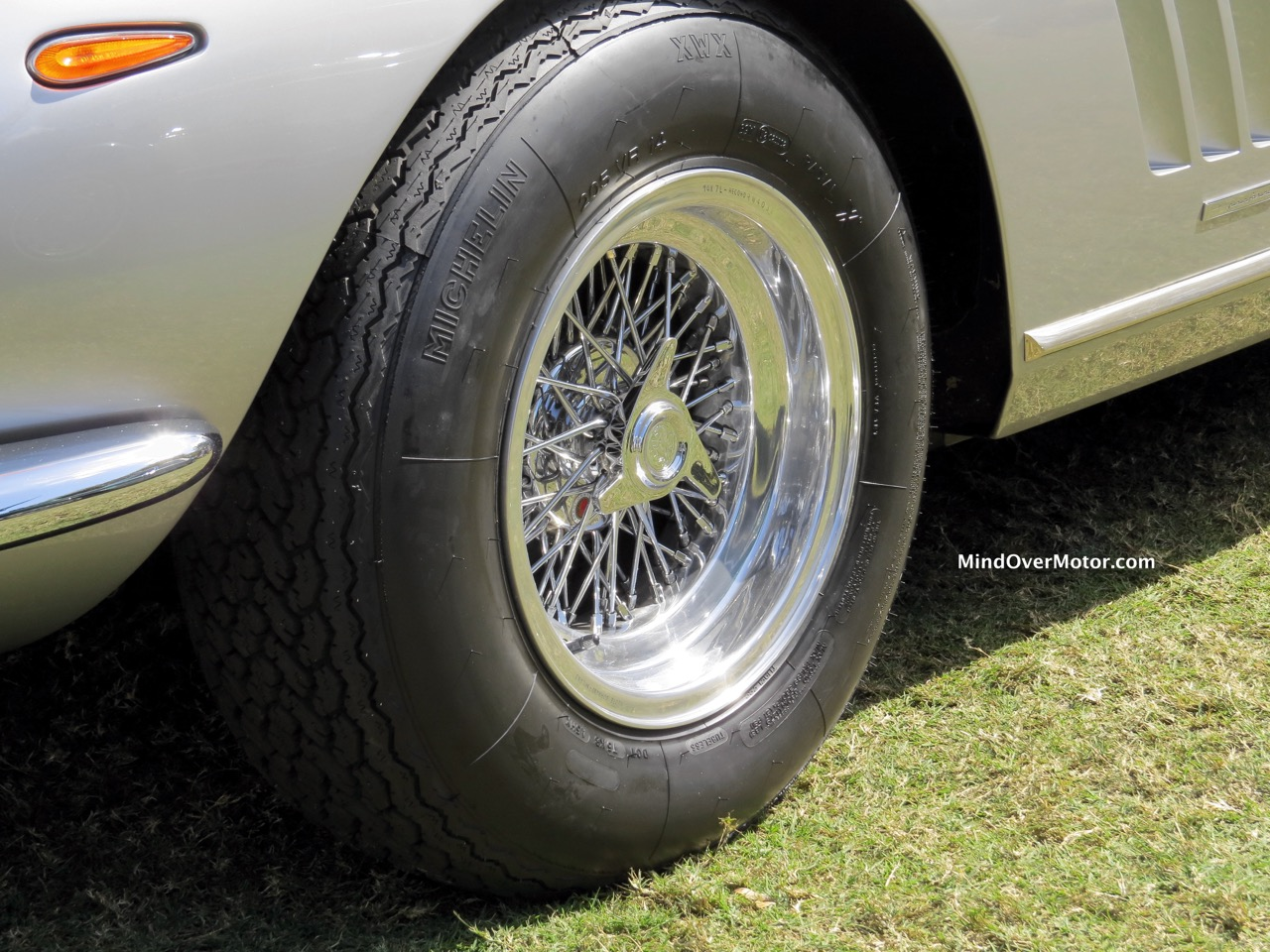 Ferrari 275 GTB:4 NART Spyder Borrani Wire Wheel