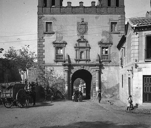 Puerta del cambr n en 1917 agrupaci fotogr fica de catal for Puerta 4 del jockey