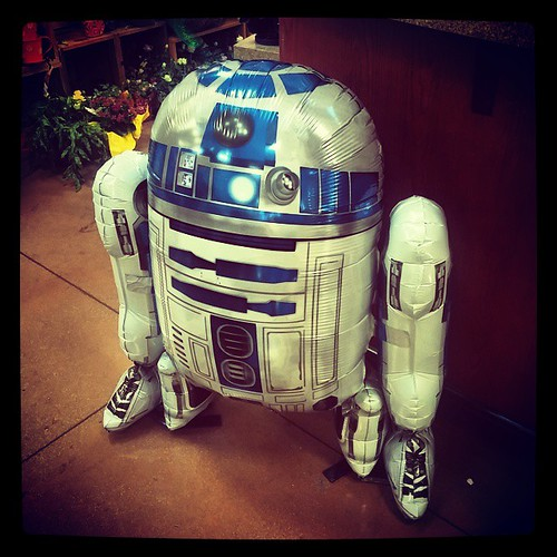 Anyone need a life-size #R2D2 foil balloon?