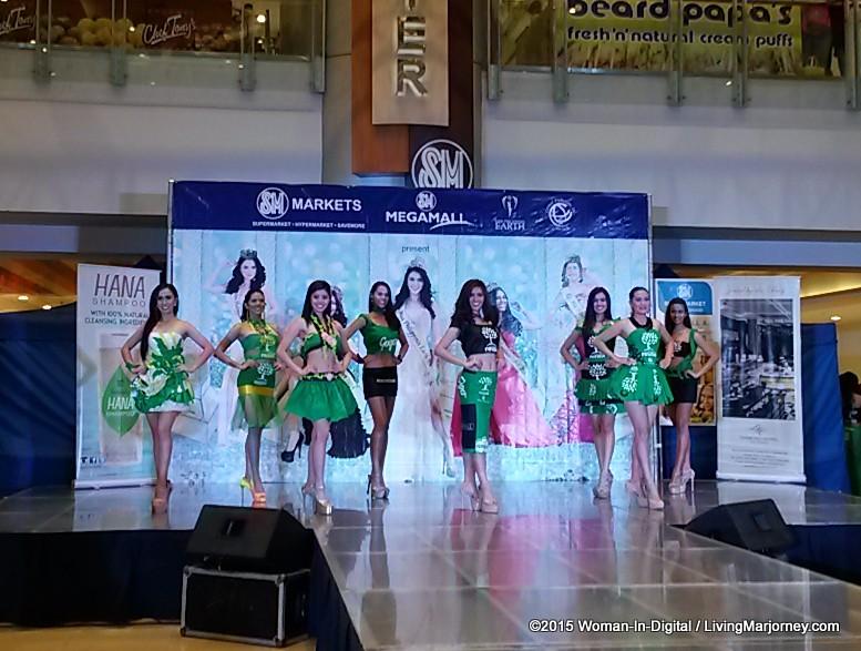 22-Miss-Earth-2015 #SMGreenBag Fashion-Show-021