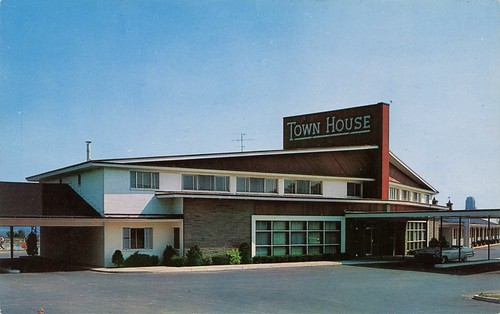 Town house motor hotel albany new york swellmap flickr for Town house motor inn