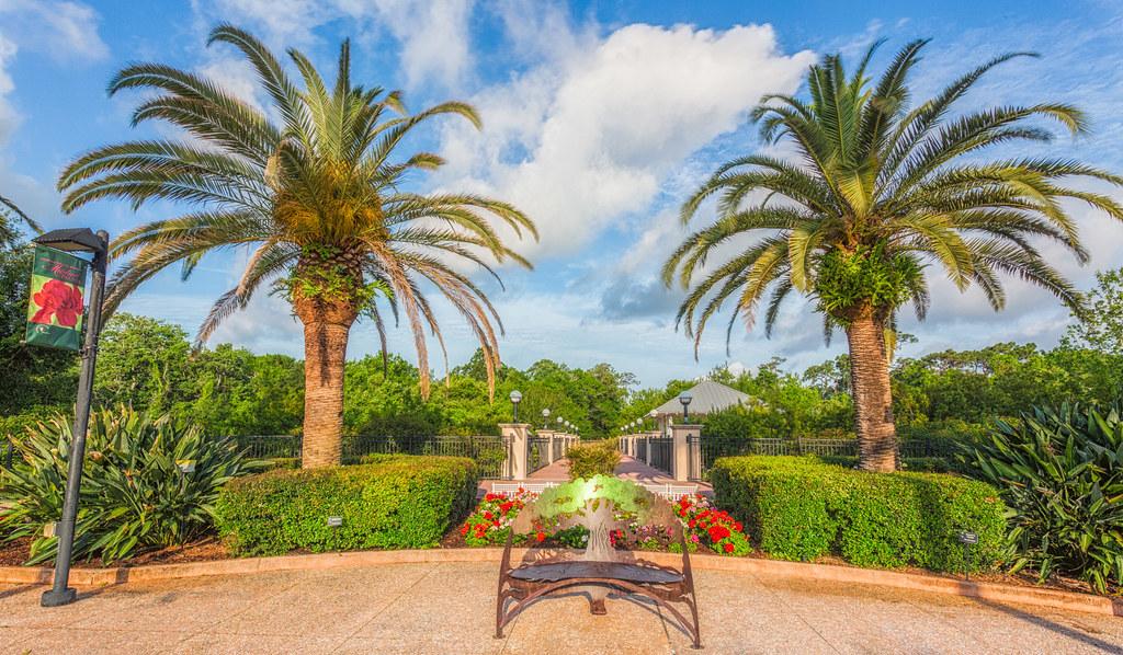 Beautiful Bench in Florida Botanical Gardens - Largo | Flickr