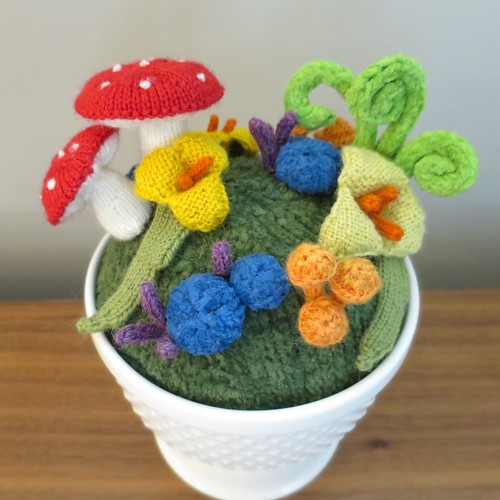 Iron Craft '15 Challenge #9 - Knit Fantasy Garden