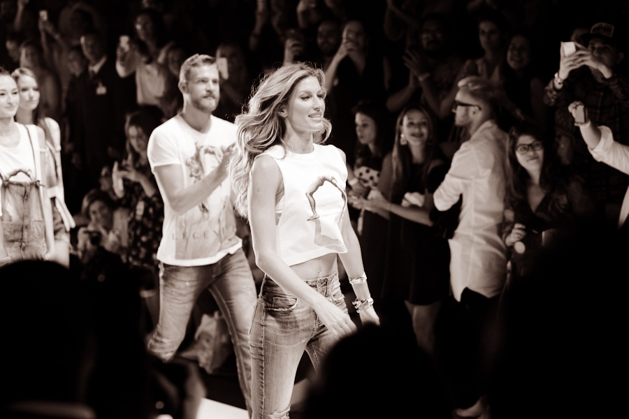 gisele_bundchen_last_fashion_show