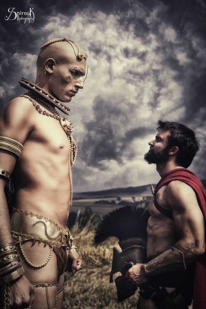 leobane and aokiji cosplay as leonidas and xerxes from 300