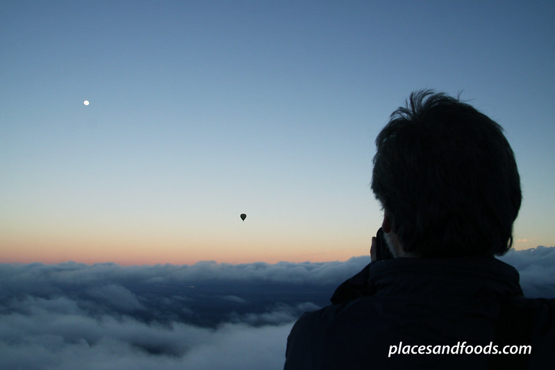 yarra valley hot air balloon in the air photographer
