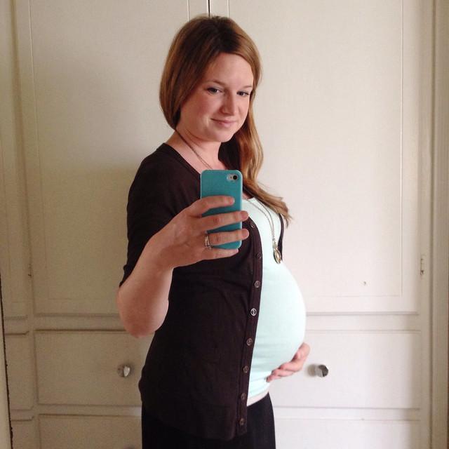 32 weeks pregnant | yourwishcake.com