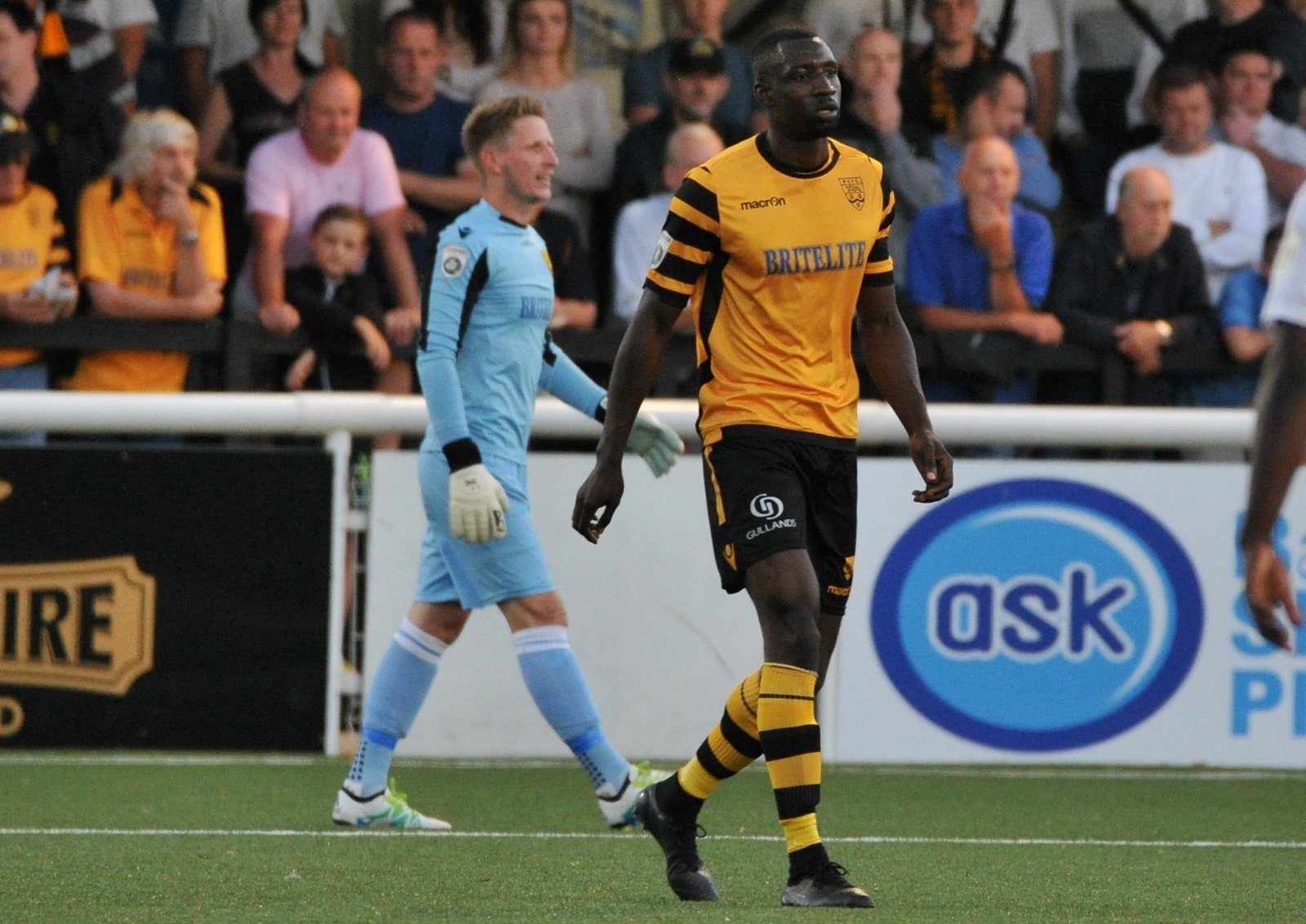 Maidstone United v Braintree Town 142
