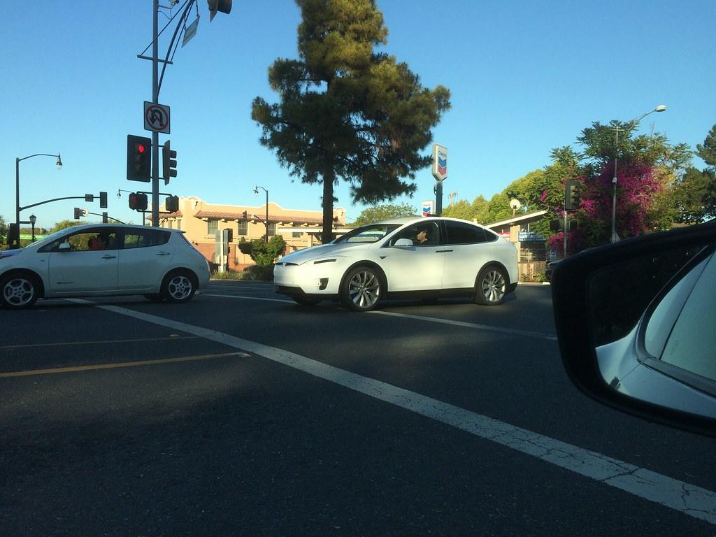 17485240023_d5526789eb_b Tesla Model X: Testfahrten mit dem Serienmodell in Palo Alto Elektromobilität