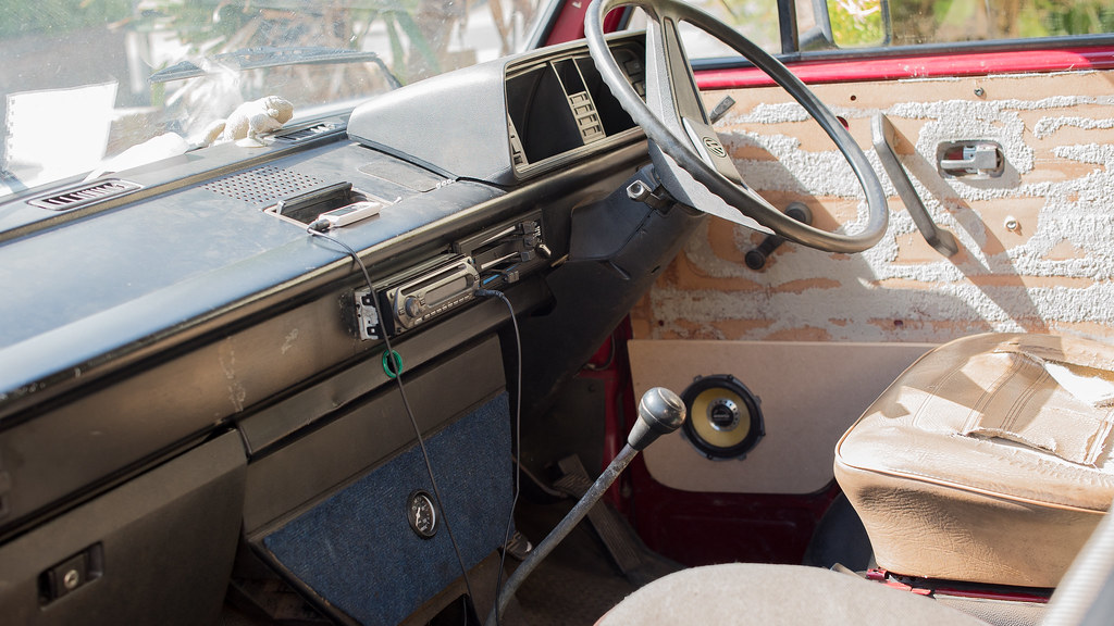 VW T25 Interior-6