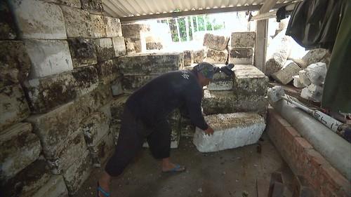舊保麗龍因雜質過多只能焚化。圖片來源:我們的島