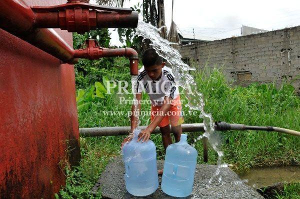 Reportan fallas en el servicio de agua potable en Puerto Ordaz, desde tempranas horas de este sábado...