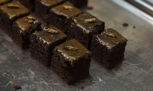 Sjokoladekake med insekt