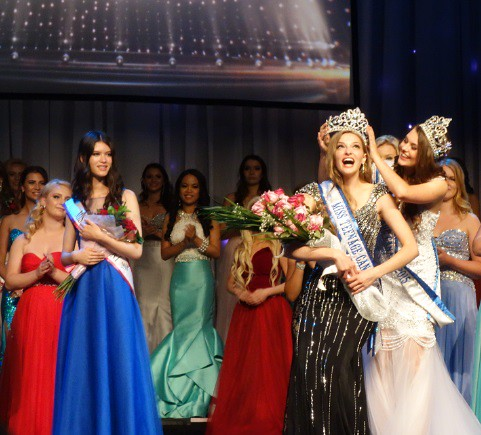 Crowning moment at Miss Teenage Canada competition in 2016