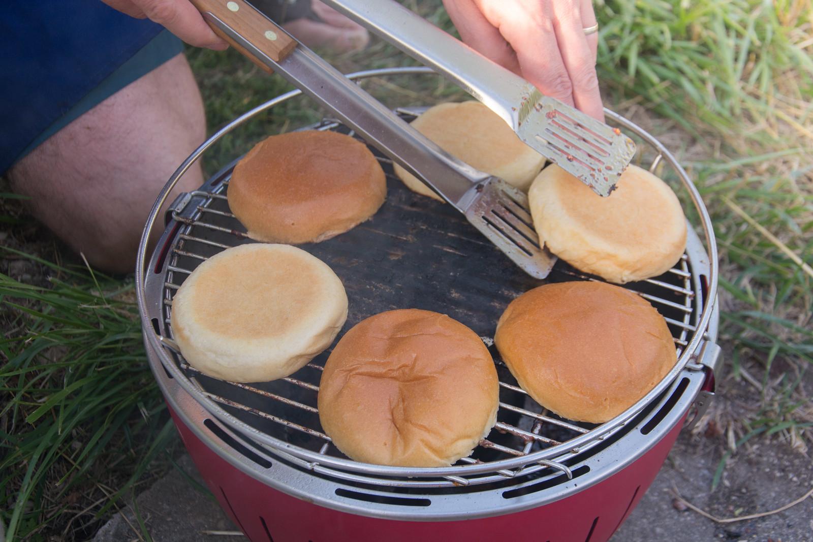 Portable barbecue for picnics