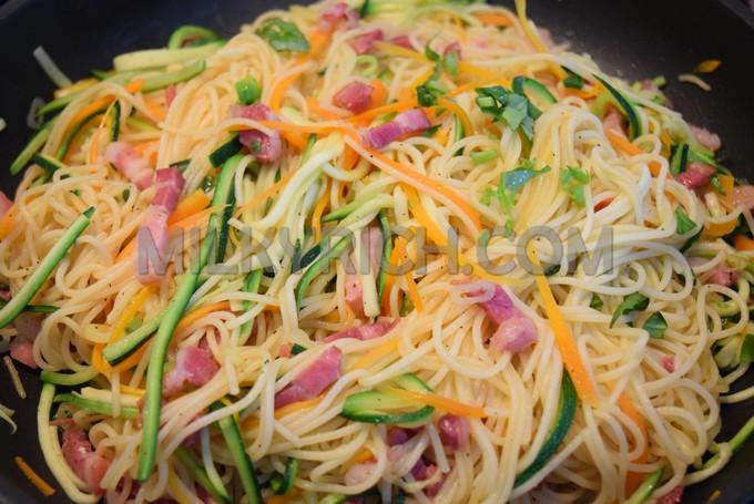 Mỳ Ý xào