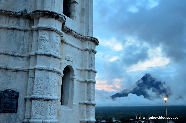 17 mayon daraga church
