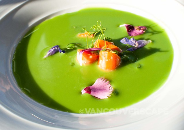 Pierside Kitchen chilled pea soup, edible flowers, carrots