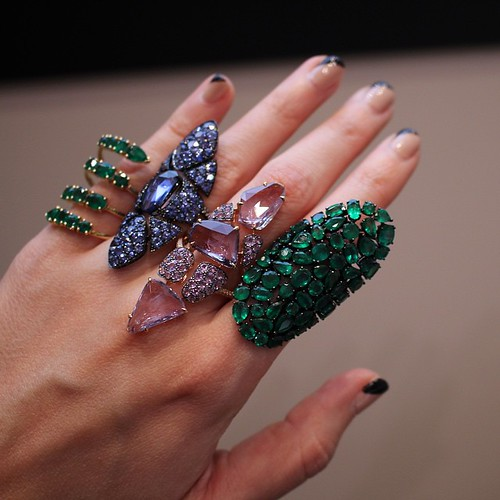 Sapphires & emeralds from @ethomaria #couture2015 #celebratecouture #gemgossipdoesVegas #showmeyourrings