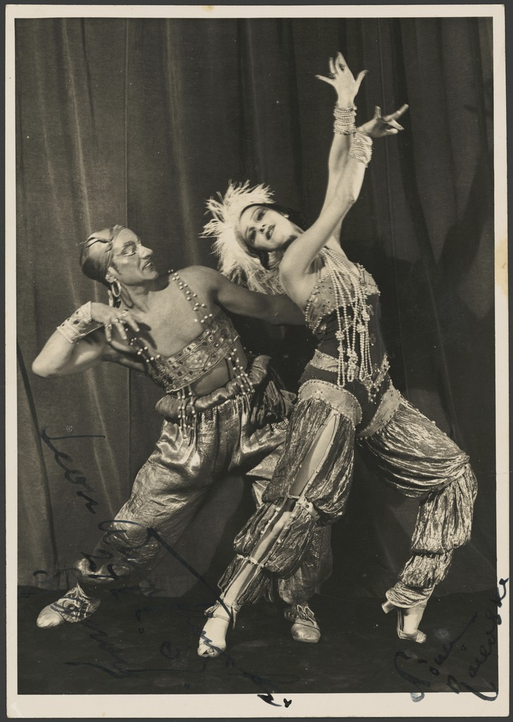 Leon Woizikowsky as the golden slave and Nina Raievska as Zoebeide in Scheherazade, Monte Carlo Russian Ballet, 1937 / Russell Roberts Pty. Ltd