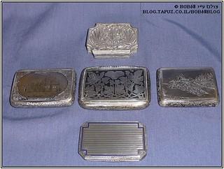 קופסאות לסיגריות כחלק מהאוסף של קופסאות למוצרי עישון