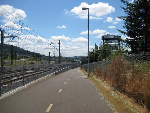 Approaching the Green (Clackamas) Line's terminal by Clackamas Town Center