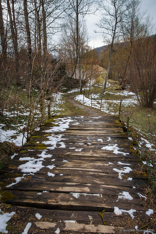 Cruzando torentes en dirección a la Font de Sant Patllari
