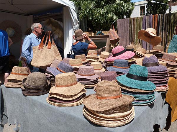 chapeaux et sacs