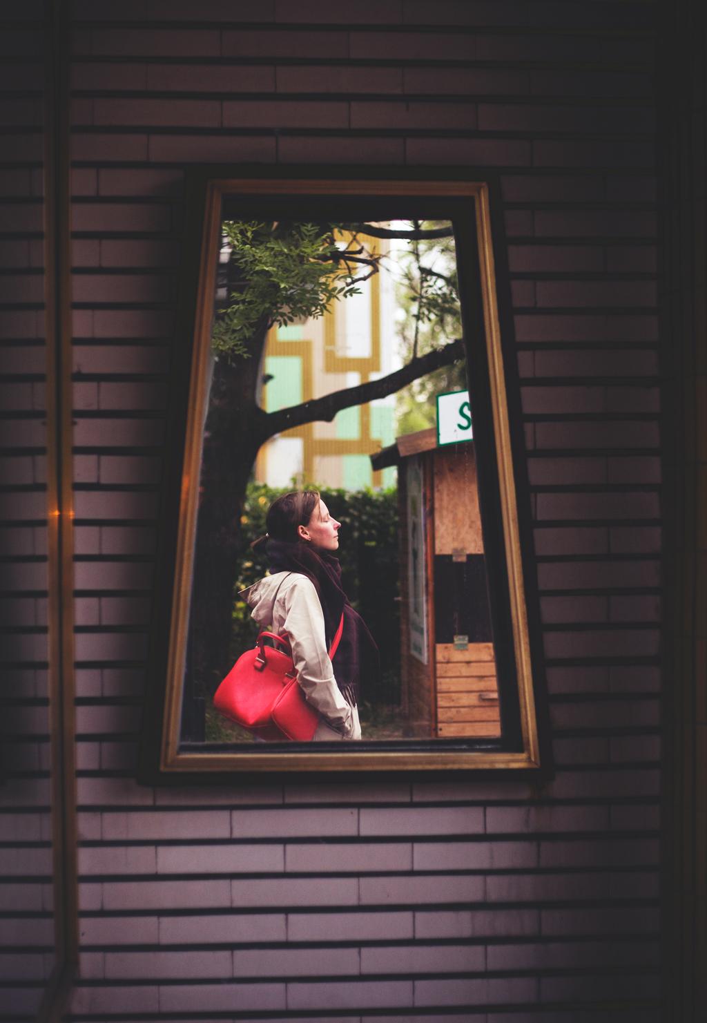 331/365 - selfie in a frame