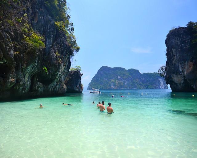 Color del agua en Paradise Island, de las playas más bonitas de Tailandia