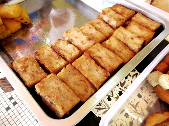 Friends' Kopitian fried yam cake