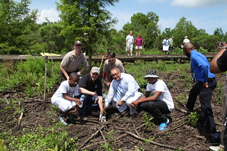 Planting trees commemorates partnership | by USFWS/Southeast