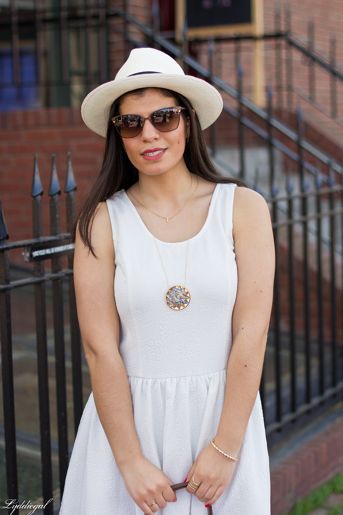 little white dress, panama hat, leather tote-7.jpg