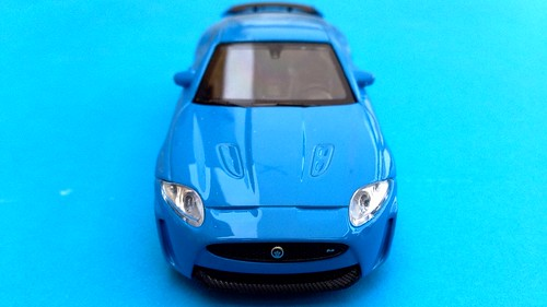 Welly 1:43 - Jaguar XKR-S