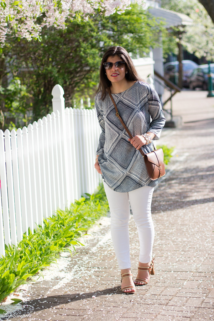 blue and white printed tunic, white jeans-1.jpg