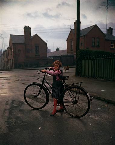 Girl with bicycle, Dublin 1966 © Evelyn Hofer